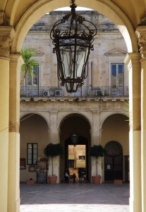Lecce-light-the-roman-foodie