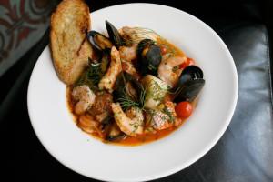 caciucco-italy-christmas-food-the-roman-foodie