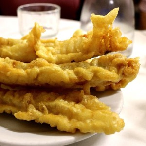 filetto-baccalà-deep-fried-codfish-the-best-street-food-in-rome-the-roman-foodie