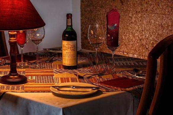 top 5 romantic restaurants in rome dinner-table-romantic