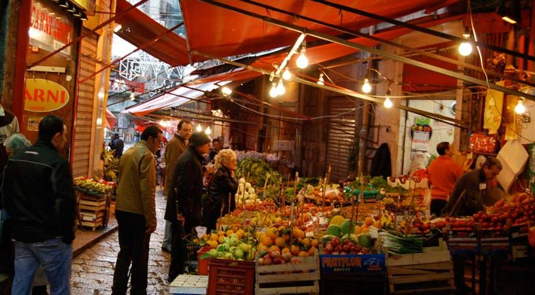 post christmas diet winter-food-in-italy-Market_Palermo_Italy